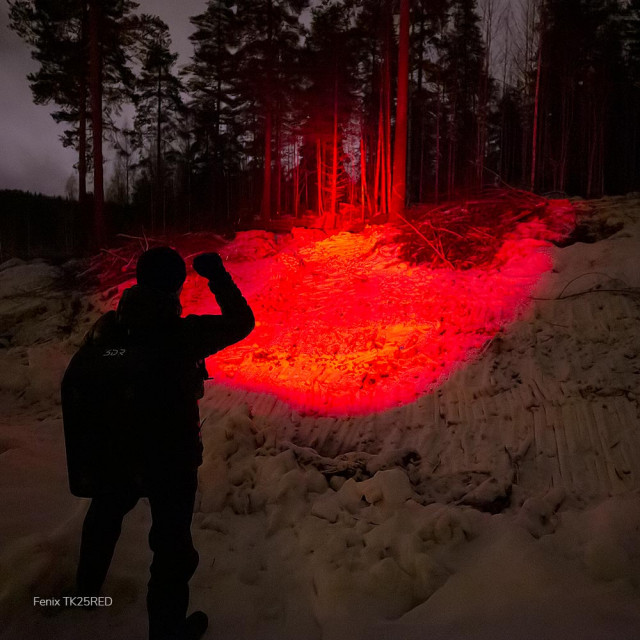 Fenix TK25 RED metsästyslamppu