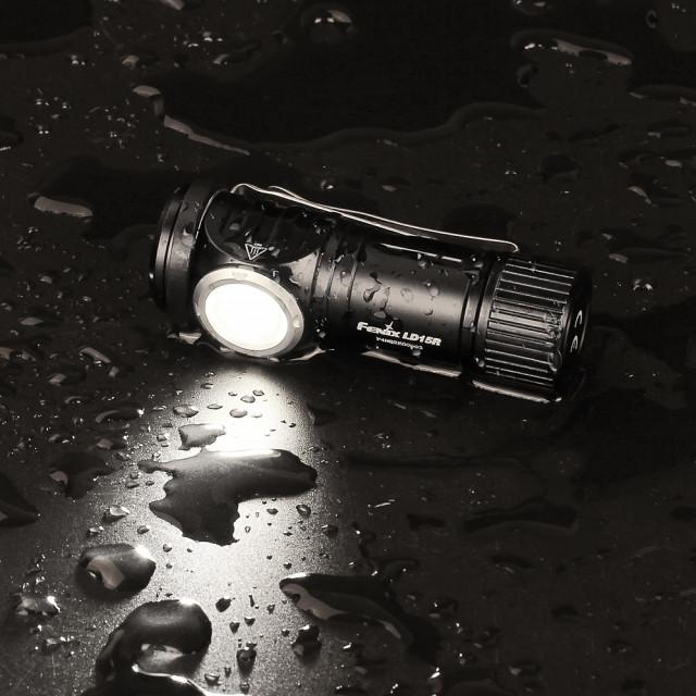 Fenix LD15R L-kulmalamppu