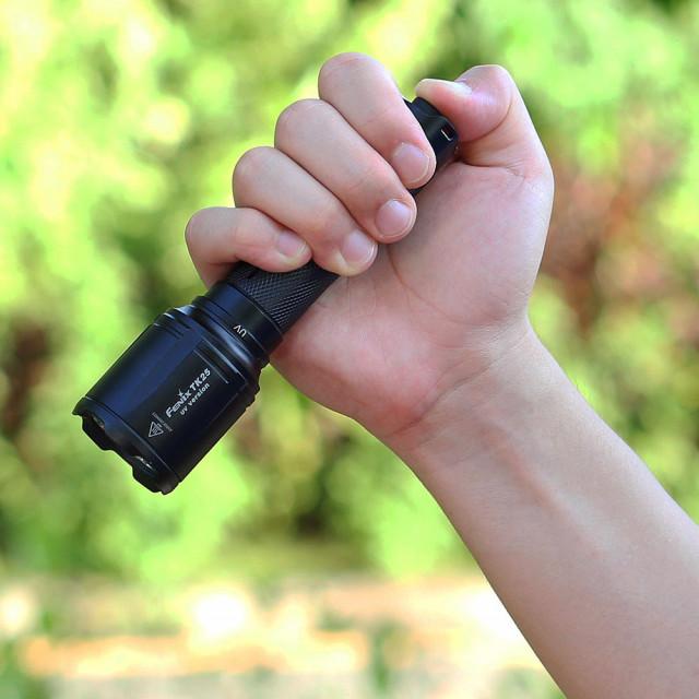 Fenix TK25UV ultraviolettilamppu
