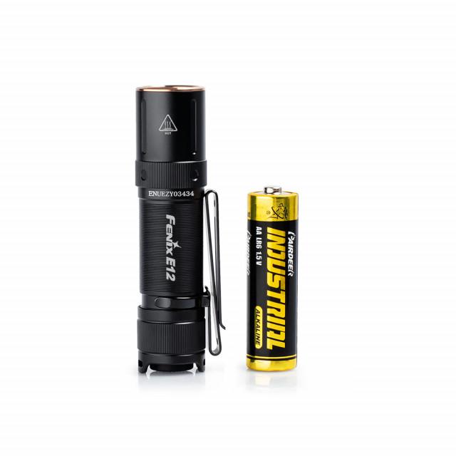 Fenix E12 V2.0 minilamppu AA-paristolla